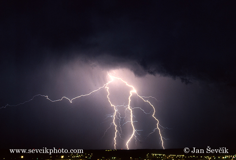 Photo of bouře blesk thunderstorm lightning