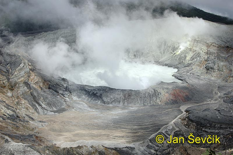 Photo of volcano poas, vulkan poas, krater
