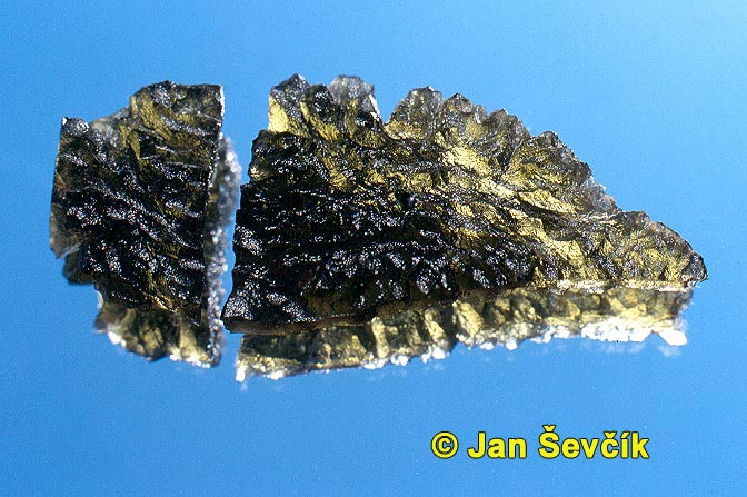 Photo of vltavin, moldavite